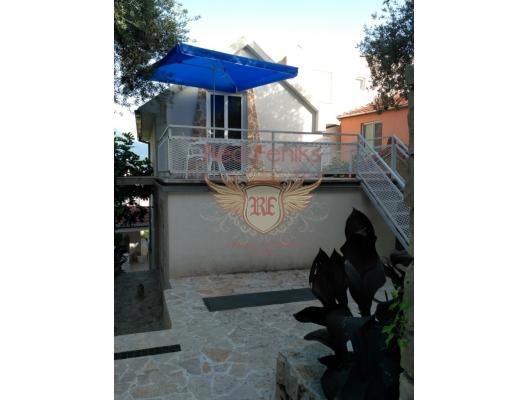 Deniz manzaralı rahat ev, Karadağ Villa Fiyatları Karadağ da satılık ev, Montenegro da satılık ev, Karadağ satılık villa