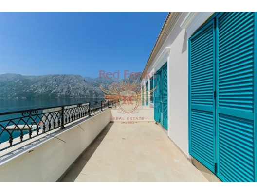 Spacious Apartment on the First Line, sea view apartment for sale in Montenegro, buy apartment in Dobrota, house in Kotor-Bay buy