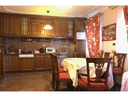 Budva'da Tripleks, Becici satılık müstakil ev, Becici satılık müstakil ev, Region Budva satılık villa