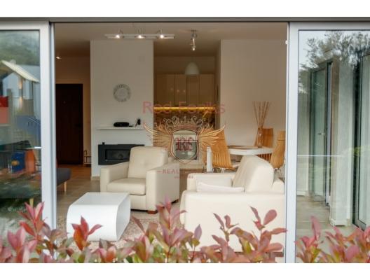 One bedroom apartment in a complex with a swimming pool on the shore of the Boka Kotor Bay, Karadağ'da satılık otel konsepti daire, Karadağ'da satılık otel konseptli apart daireler, karadağ yatırım fırsatları