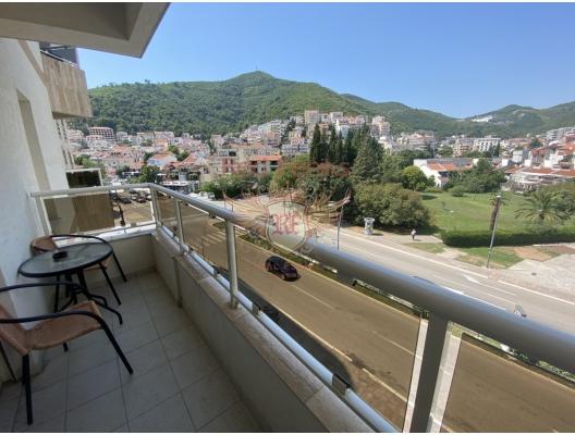 Budva'da satılık tek yatak odalı daire Daire alanı 45m2 olup 3.