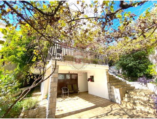 For sale beautiful house in Budva The house has four floors.