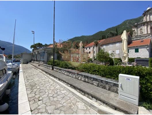 Prcanj'de Ön Sıradaki Ev, Kotor-Bay satılık müstakil ev, Kotor-Bay satılık müstakil ev