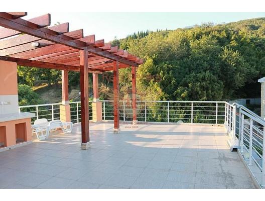 Suscepan'da deniz manzaralı ev, Kotor-Bay satılık müstakil ev, Kotor-Bay satılık villa