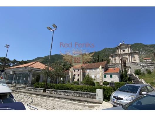 Prcanj'de Ön Sıradaki Ev, Karadağ da satılık havuzlu villa, Karadağ da satılık deniz manzaralı villa, Dobrota satılık müstakil ev