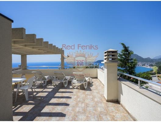 Bir tatil yerinde bir arsa ile ev Ratac, Karadağ Villa Fiyatları Karadağ da satılık ev, Montenegro da satılık ev, Karadağ satılık villa