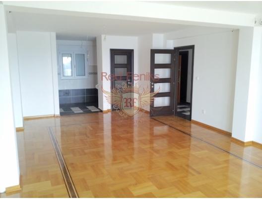 Petrovac'ta İki Yatak Odalı Daire 3+3, becici satılık daire, Karadağ da ev fiyatları, Karadağ da ev almak