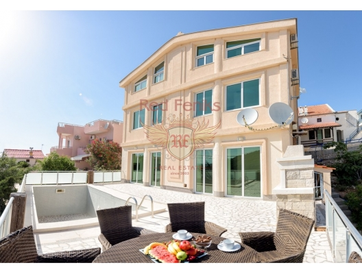 Comfortable Villa in Comfort with swimming pool (Вar Riviera), Montenegro.