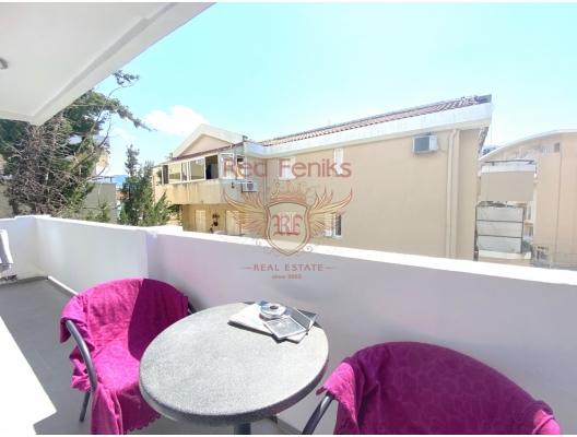 Budva'da satılık iki yatak odalı daire Daire alanı 60m2 olup 3.