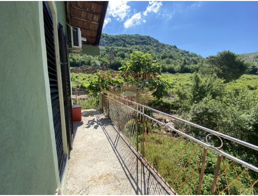 For sale nice house in Markovici with mountain view.