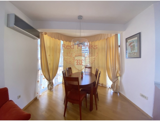 Part of the house with its own courtyard and sea view. St. Stephen, Montenegro, sea view apartment for sale in Montenegro, buy apartment in Becici, house in Region Budva buy