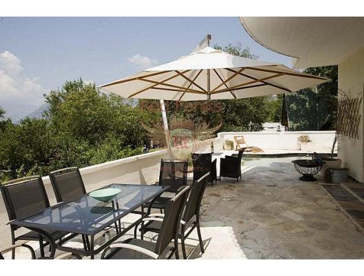 Kotor'da iki odalı bir daire, Dobrota da ev fiyatları, Dobrota satılık ev fiyatları, Dobrota da ev almak