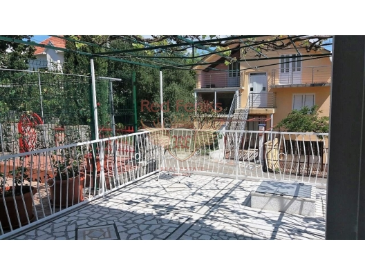 Comfortable house on the Lustica peninsula, Krasici house buy, buy house in Montenegro, sea view house for sale in Montenegro