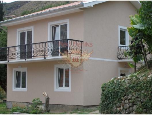 Ыatılık yeni ev, toplam 120 m2 alana sahip.