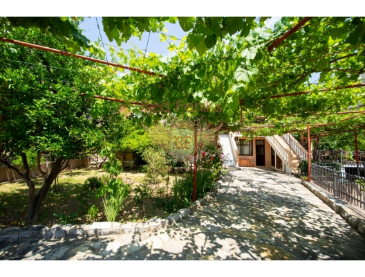 Beautiful Villa with Apartments in Buljarica, hotel residences for sale in Montenegro, hotel apartment for sale in Region Budva
