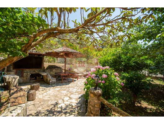 Beautiful Villa with Apartments in Buljarica, investment with a guaranteed rental income, serviced apartments for sale
