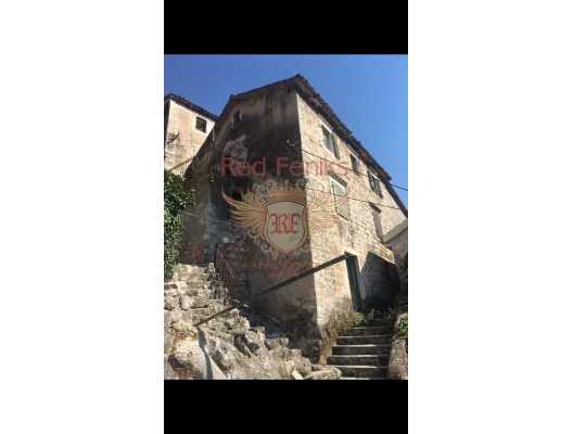 Stone House for renovation in Old city of Kotor, buy home in Montenegro, buy villa in Kotor-Bay, villa near the sea Dobrota