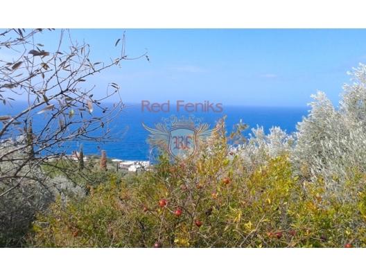 Zum Verkauf schönes Panoramablick auf das Meer in Rezevici 1 Die Fläche des Grundstücks beträgt 3 000 m2.