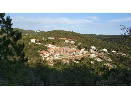 Villen in einer Wohnanlage auf Lustica, Montenegro Immobilien, Immobilien in Montenegro