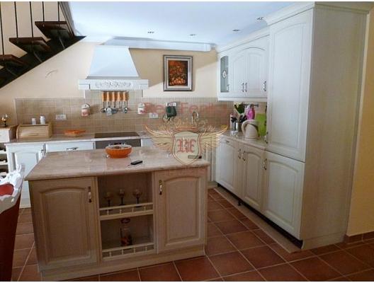 Orahovac'ta Apartman Dairesi, Kotor-Bay da ev fiyatları, Kotor-Bay satılık ev fiyatları, Kotor-Bay ev almak