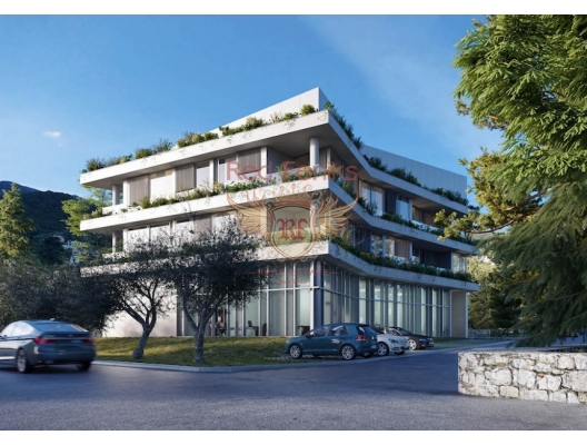 Yapım aşamasında olan yeni, modern bir konut kompleksi, Tivat, Doña Lastva adlı bir bölgede, deniz kıyısına 100 metre ve şehir merkezine 1 km mesafede yer almaktadır.
