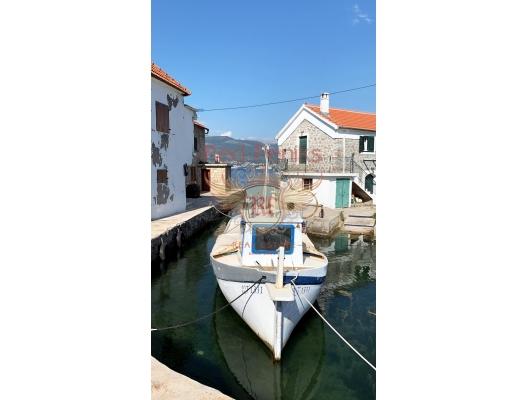 Bjelila'da deniz manzaralı ve havuzlu üç yatak odalı villa, Krasici satılık müstakil ev, Krasici satılık müstakil ev, Lustica Peninsula satılık villa