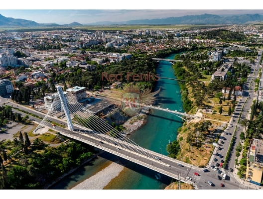 Podgorica'da eski Havalimanı yakınında arsa.