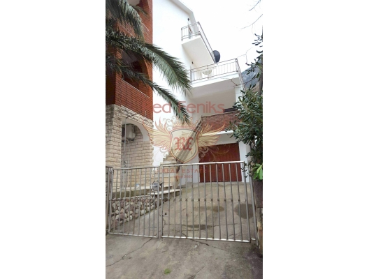 Beautiful House in Front Line in Stoliv, Dobrota house buy, buy house in Montenegro, sea view house for sale in Montenegro