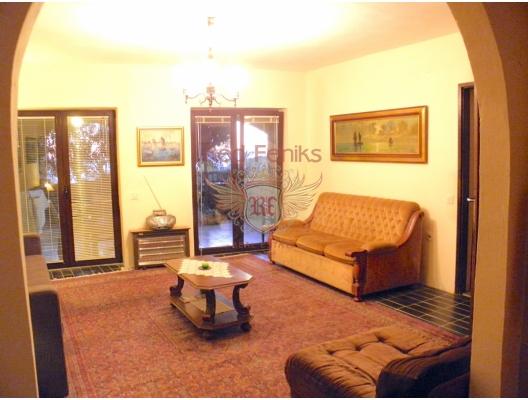 Rijeka Rezevici'de Güzel Taş Ev, Karadağ da satılık havuzlu villa, Karadağ da satılık deniz manzaralı villa, Becici satılık müstakil ev