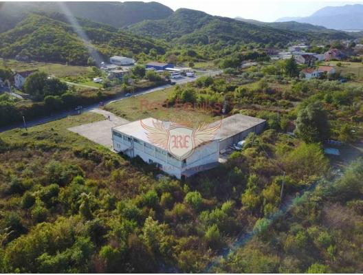 Radanovichi'de satılık Budva'ya 7 km mesafedeki ticari tesisler.