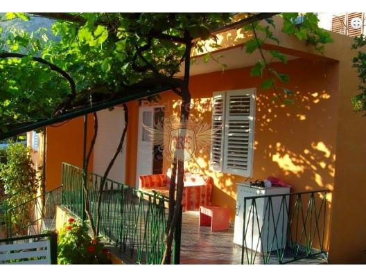 Sutomore muhteşem ev, Karadağ da satılık havuzlu villa, Karadağ da satılık deniz manzaralı villa, Bar satılık müstakil ev