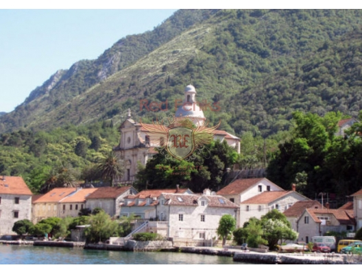 Beautiful House in Front Line in Stoliv, Montenegro real estate, property in Montenegro, Kotor-Bay house sale