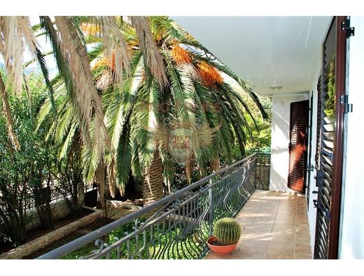 Great House on the First Line, Dobrota satılık müstakil ev, Dobrota satılık müstakil ev, Kotor-Bay satılık villa