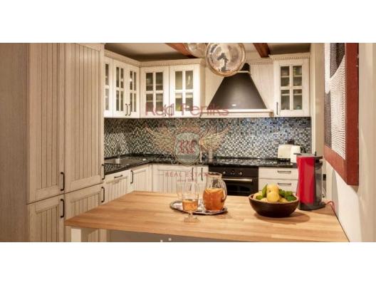 Porto Montenegro yakınlarında satılık yenilenmiş lüks eski taş ev, Karadağ Villa Fiyatları Karadağ da satılık ev, Montenegro da satılık ev, Karadağ satılık villa