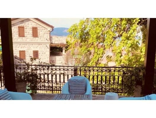 Porto Montenegro yakınlarında satılık yenilenmiş lüks eski taş ev, Region Tivat satılık müstakil ev, Region Tivat satılık müstakil ev