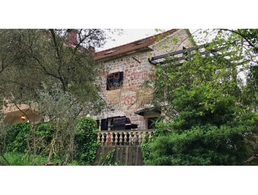 Renovated luxury old stone house near Porto Montenegro for sale, buy home in Montenegro, buy villa in Region Tivat, villa near the sea Bigova