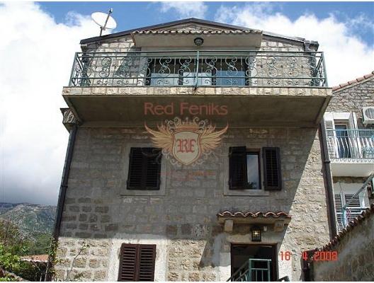 Rahat Rafailovici kasabasında Venedik Orta Çağının seçkin bir villasıdır.