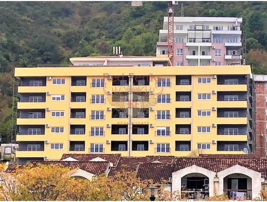 Panoramic apartment with an area of 39m2 is located on the 5th floor of the new house.