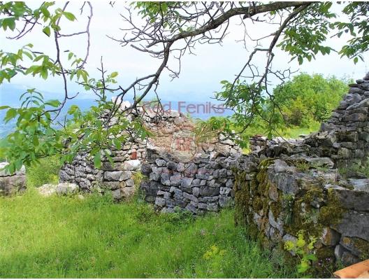 Ülkenin merkezinde bir taş ev ile büyük bir arsa, Karadağ da satılık havuzlu villa, Karadağ da satılık deniz manzaralı villa, Cetinje satılık müstakil ev