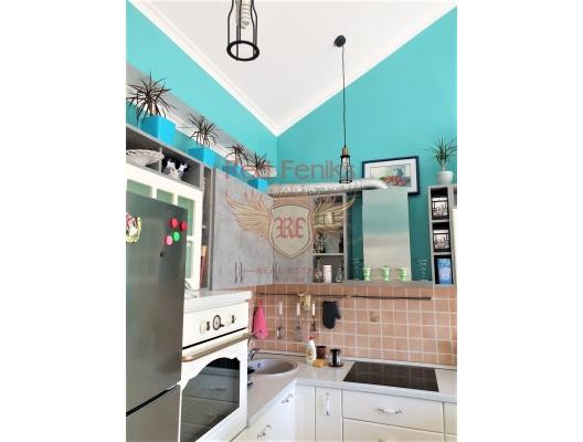Boka Koyu'nda deniz manzaralı iki yatak odalı daire, Kotor-Bay da ev fiyatları, Kotor-Bay satılık ev fiyatları, Kotor-Bay ev almak