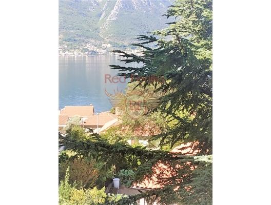 Boka koyunda deniz manzaralı iki yatak odalı daire, Karadağ satılık evler, Karadağ da satılık daire, Karadağ da satılık daireler