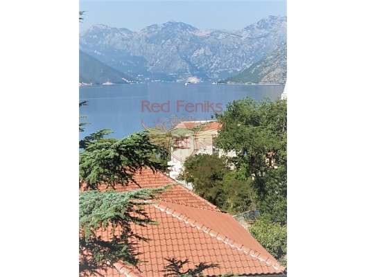 Boka koyunda deniz manzaralı iki yatak odalı daire, Karadağ da satılık ev, Montenegro da satılık ev, Karadağ da satılık emlak