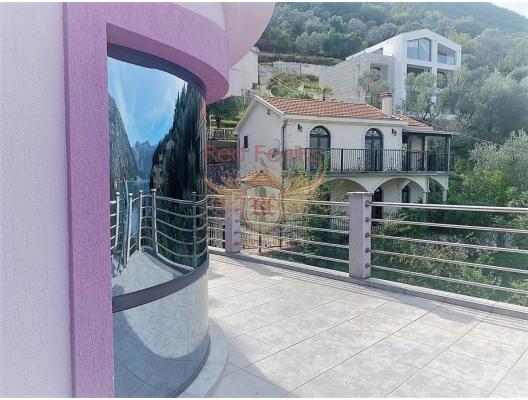 Beautiful villa with a pool and a sea view in Boka Bay SOLD, buy home in Montenegro, buy villa in Kotor-Bay, villa near the sea Dobrota