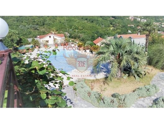 Magnificent villa in the Bay of Kotor, buy home in Montenegro, buy villa in Kotor-Bay, villa near the sea Dobrota