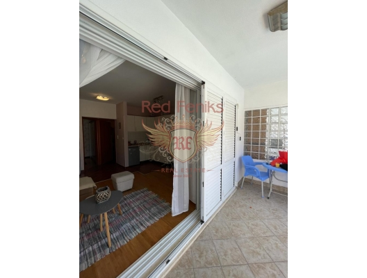 Beautiful apartment with a pool and separate bedroom in Herceg Novi, sea view apartment for sale in Montenegro, buy apartment in Baosici, house in Herceg Novi buy